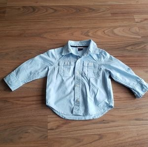 ⭐3/35⭐Gap | Light blue button up - 18/24M